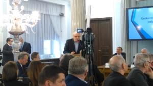 Prezes Marek Balcer prezentuje Geotermi? Mazowieck?